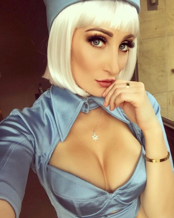 Holly Wolf might be the sexiest cosplayer out there