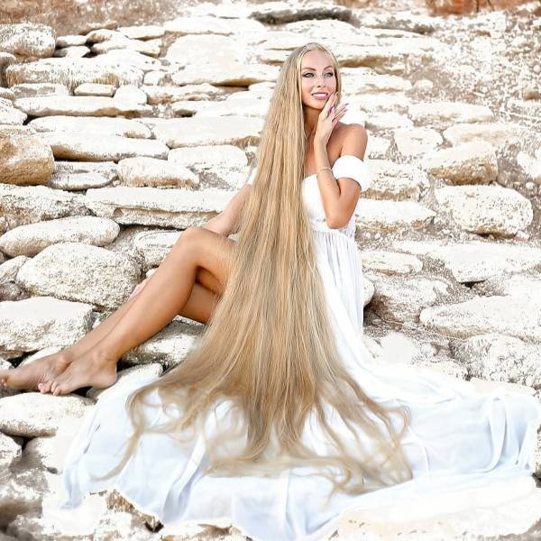 Real-Life Rapunzel With 1,8 Meter Long Hair