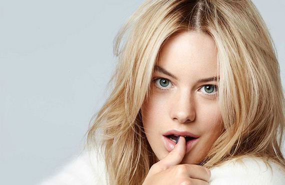 Picture of Camille Rowe