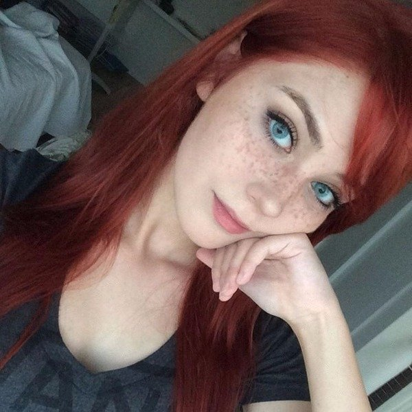 Hot And Sexy Redheads Photos