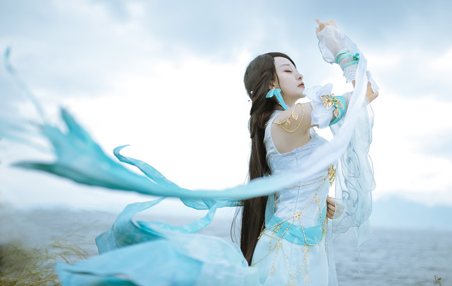 Against the water cold problem cosplay 2