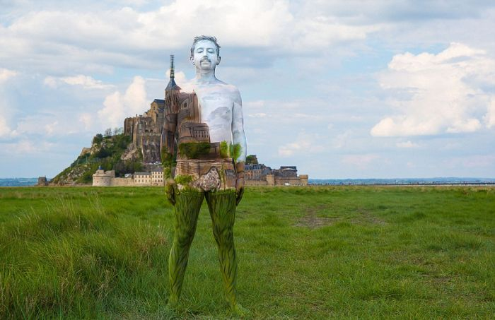 Nude Models Use Bodypaint To Blend In With The Scenery