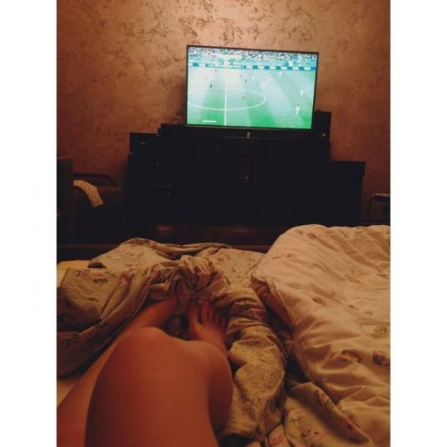 The Beautiful Legs Of Ladies Watching The World Cup