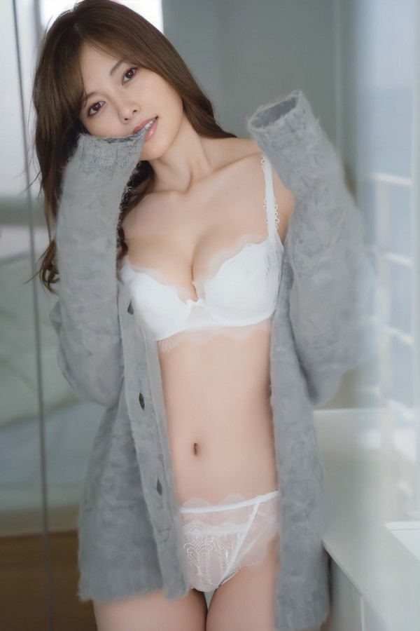 Nogizaka 46 Mai Shiraishi, wearing underwear immediately after lifting the ban on underwear that is too sexy www