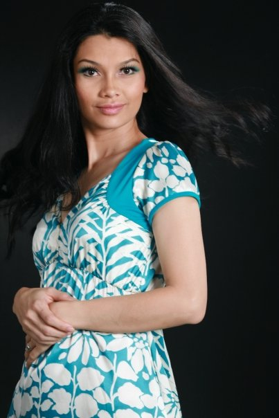 Myanmar Sexy Model Girl, Thandar Hlaing with blue floral dress