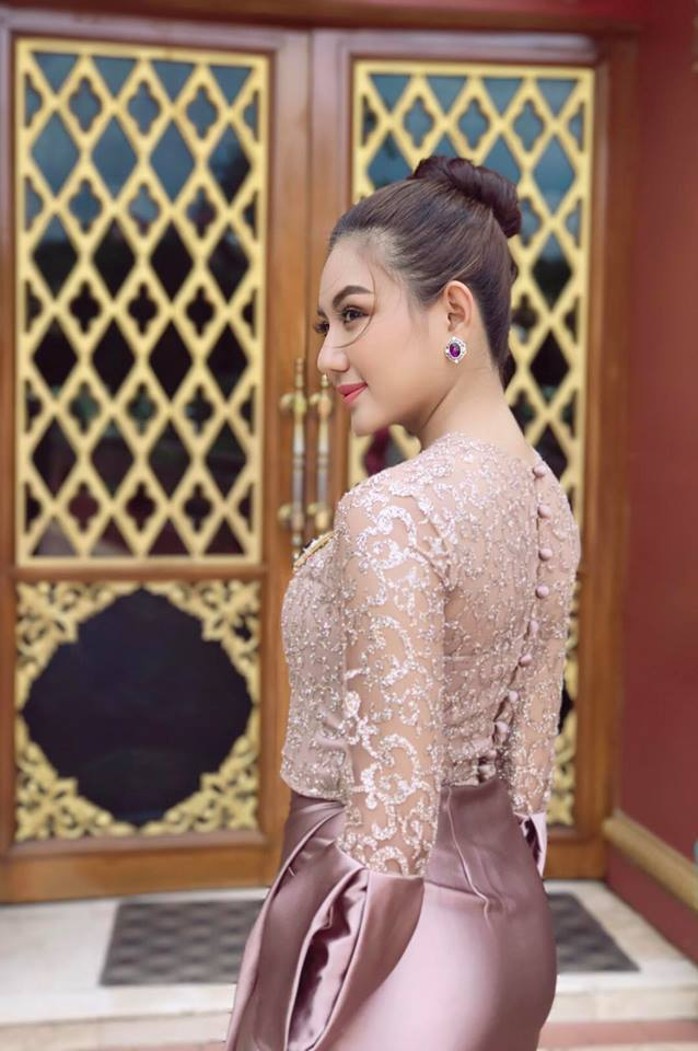 May Myint Mo In Beautiful Myanmar Outfit in TV Show