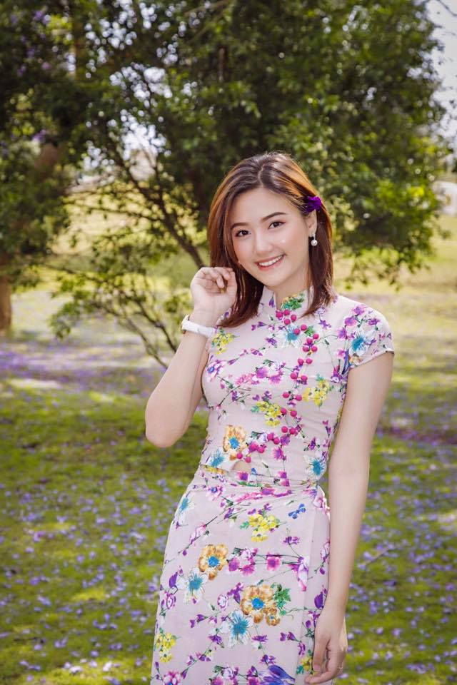 Yamin May Oo Beautiful Pictures in Myanmar Dress