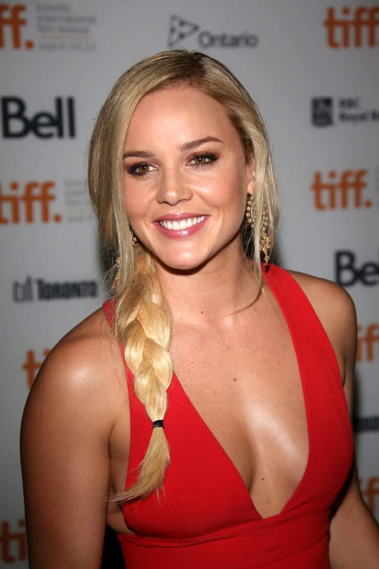 Abbie Cornish sexy boobs pictures (9)