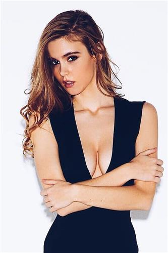 Amberleigh West Sexy Picture and Photo