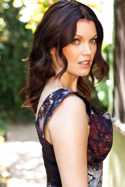 Bellamy Young hot side pic