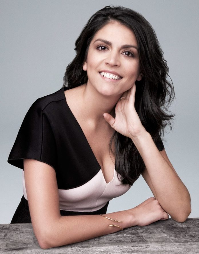 Cecily Strong hot pictures