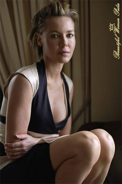 Connie Nielsen awesome cleaveges