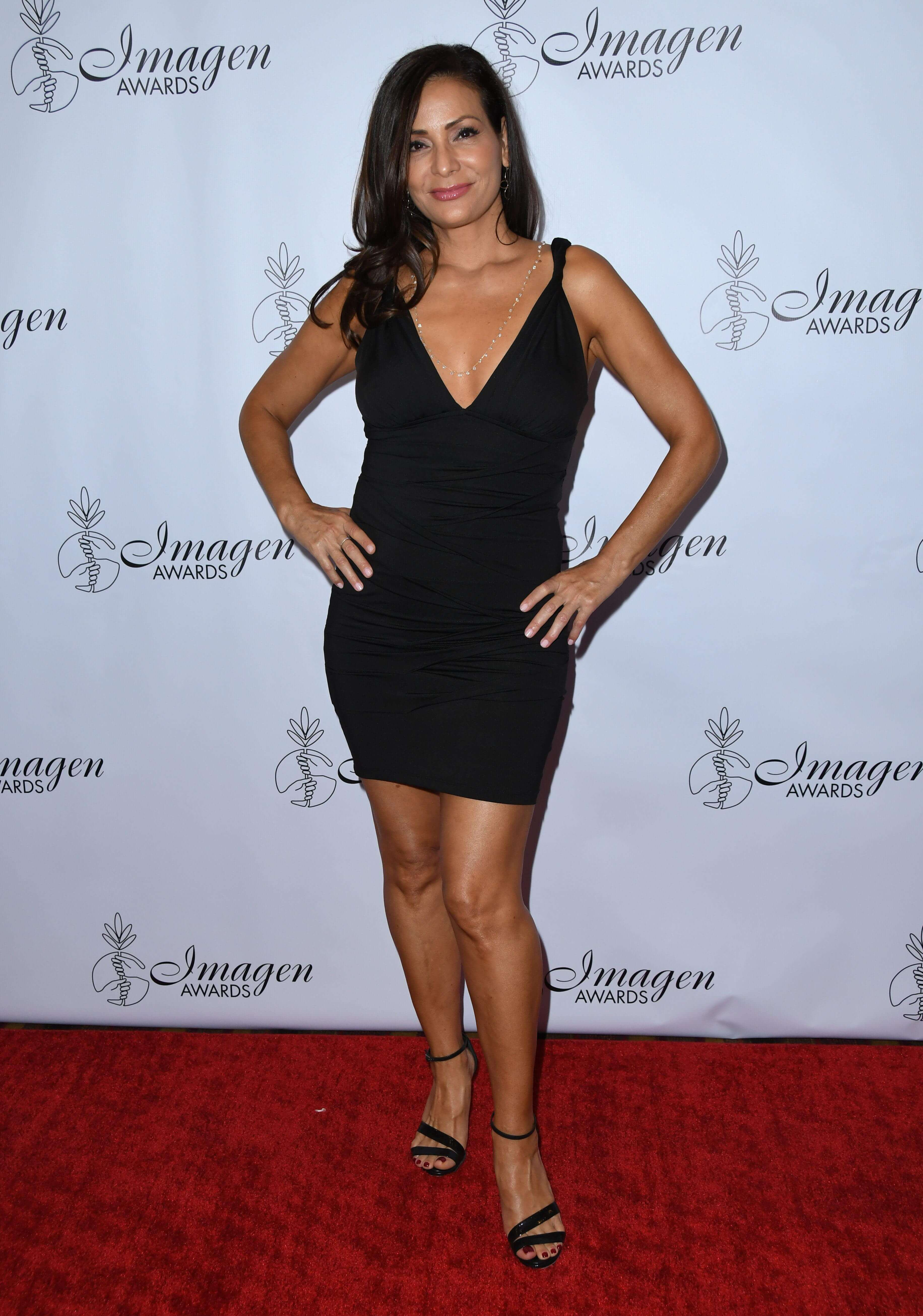 Constance Marie hot cleavage (2)