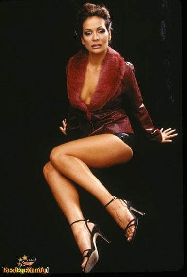 Constance Marie sexy thigh