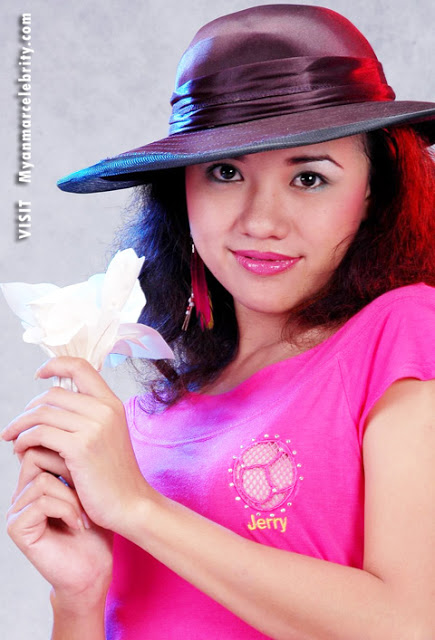Myanmar Model and Actress, Ei Phyo Cherry's lovely fashion with pink blouse
