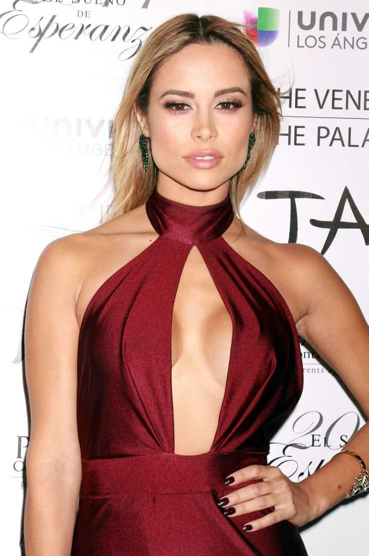 Zulay Henao boobs pictures