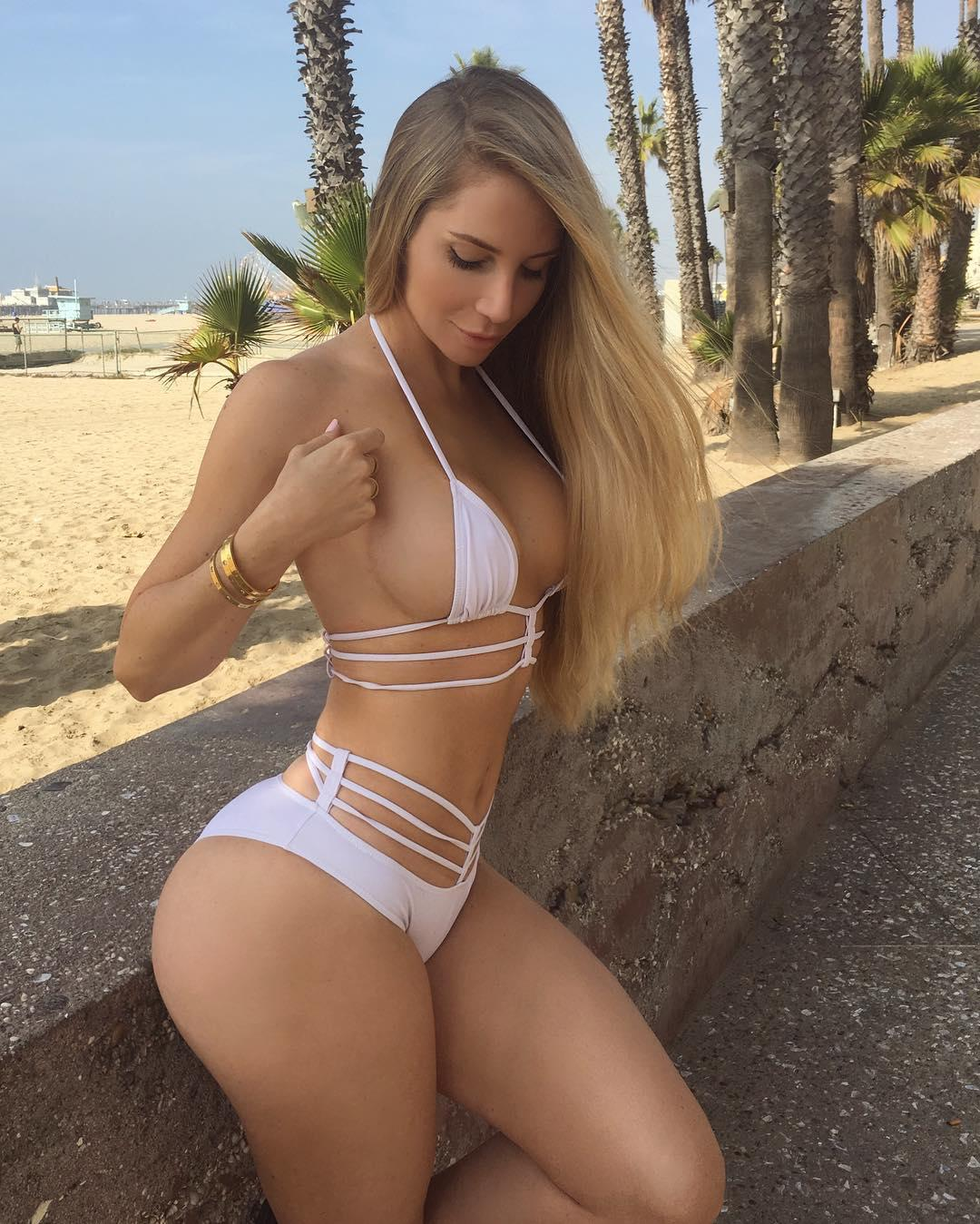 Amanda Elise Lee Big Boobs Big Booty Sport Picture and Photo