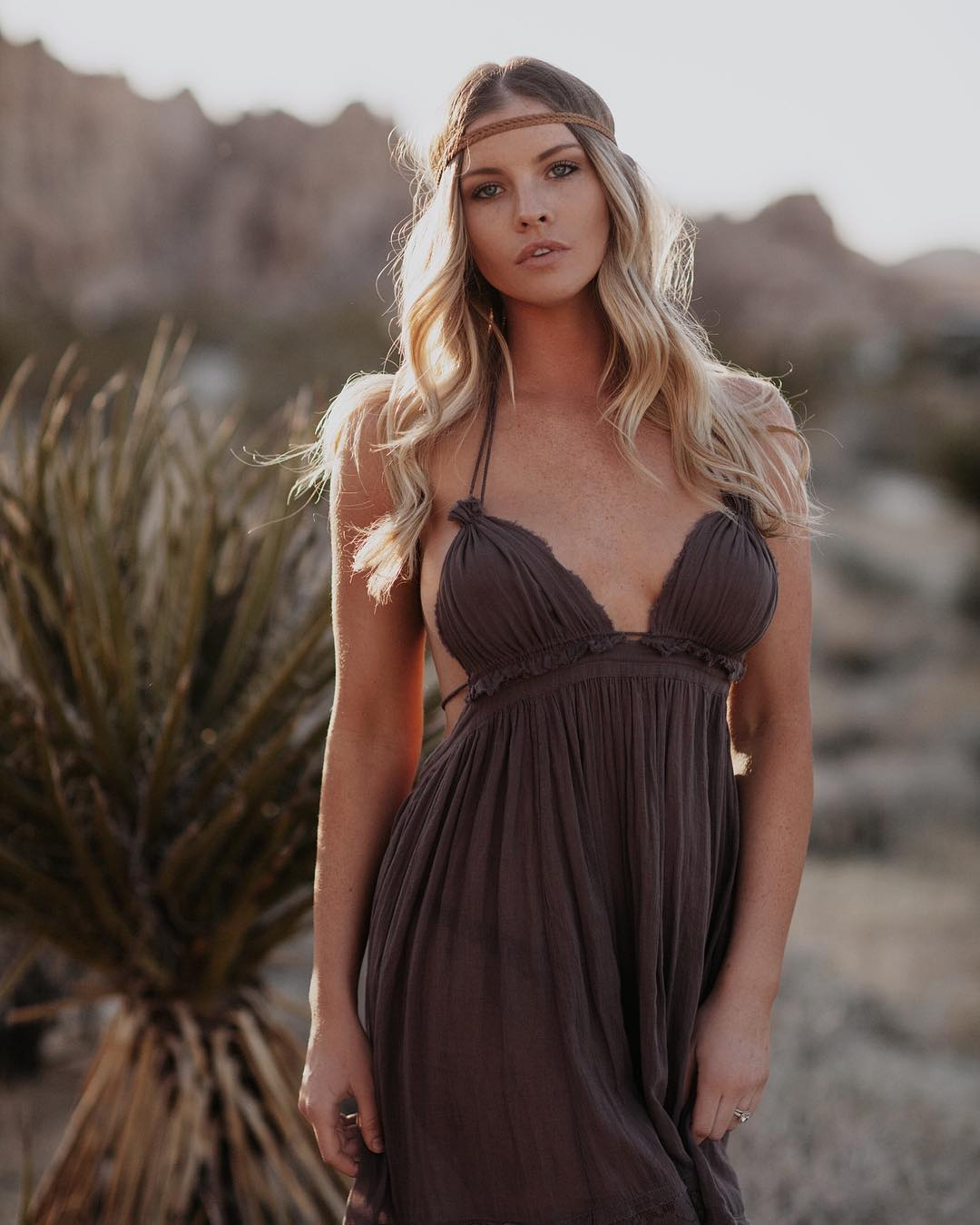 Carly Lauren Sexy Picture and Photo
