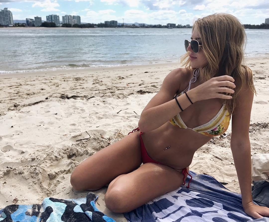 Jade Grobler Lovely Picture and Photo
