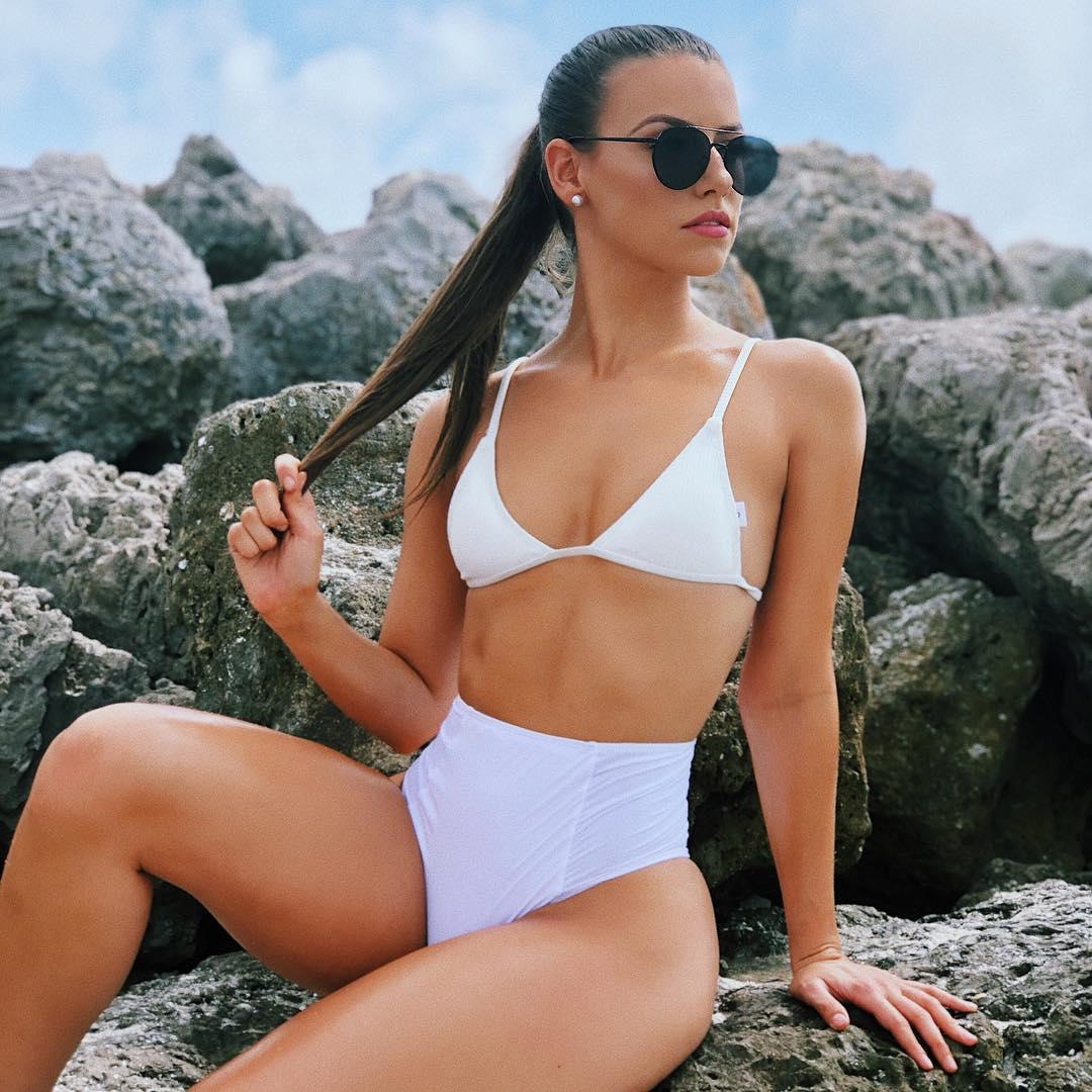 Jany Arbos Bikini Picture and Photo