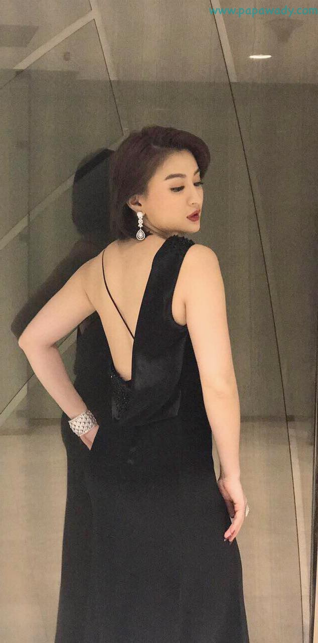 Wut Mhone Shwe Yi Attends Forever Gems by Golden Palace Gold & Jewelry