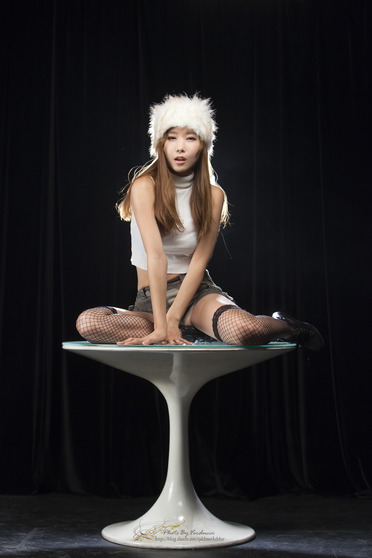 [Cheon Bo Young] 2013.1.8 - Fishnets & Furry Hat Supp.