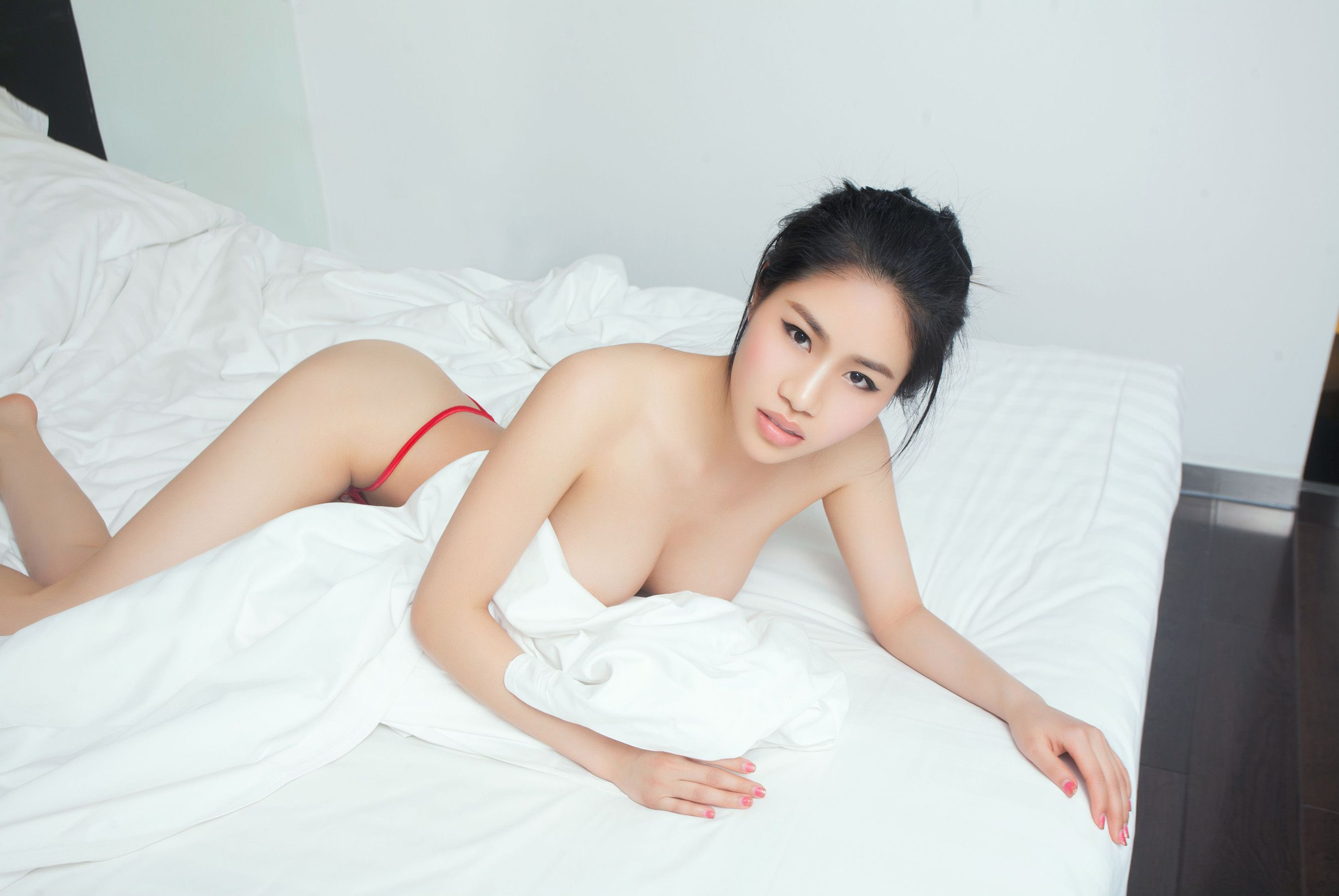 """[TuiGirl] No.004 Kiss Hee """"Just Right, Perfectly Shaped, Slender and Slender Lady""""  Photo"""
