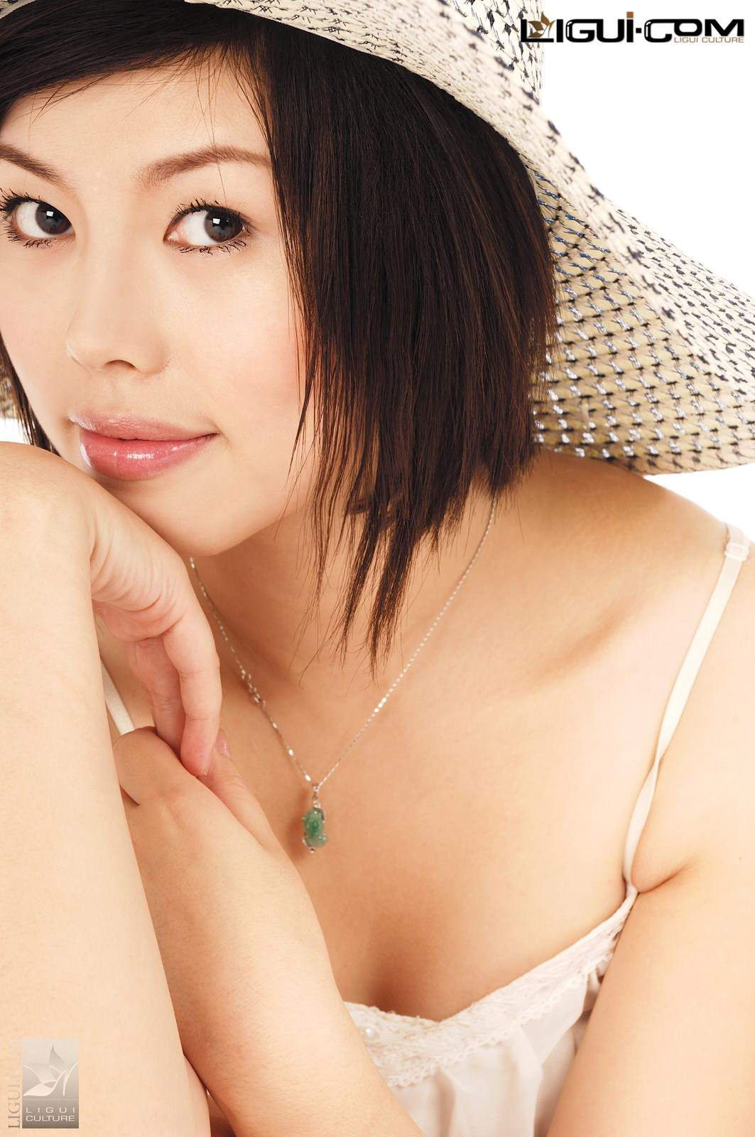 """Model Muzi """"Smile Touching Rounded Straw Hat"""" [丽柜LiGui] Silk Foot Photo Picture 16"""