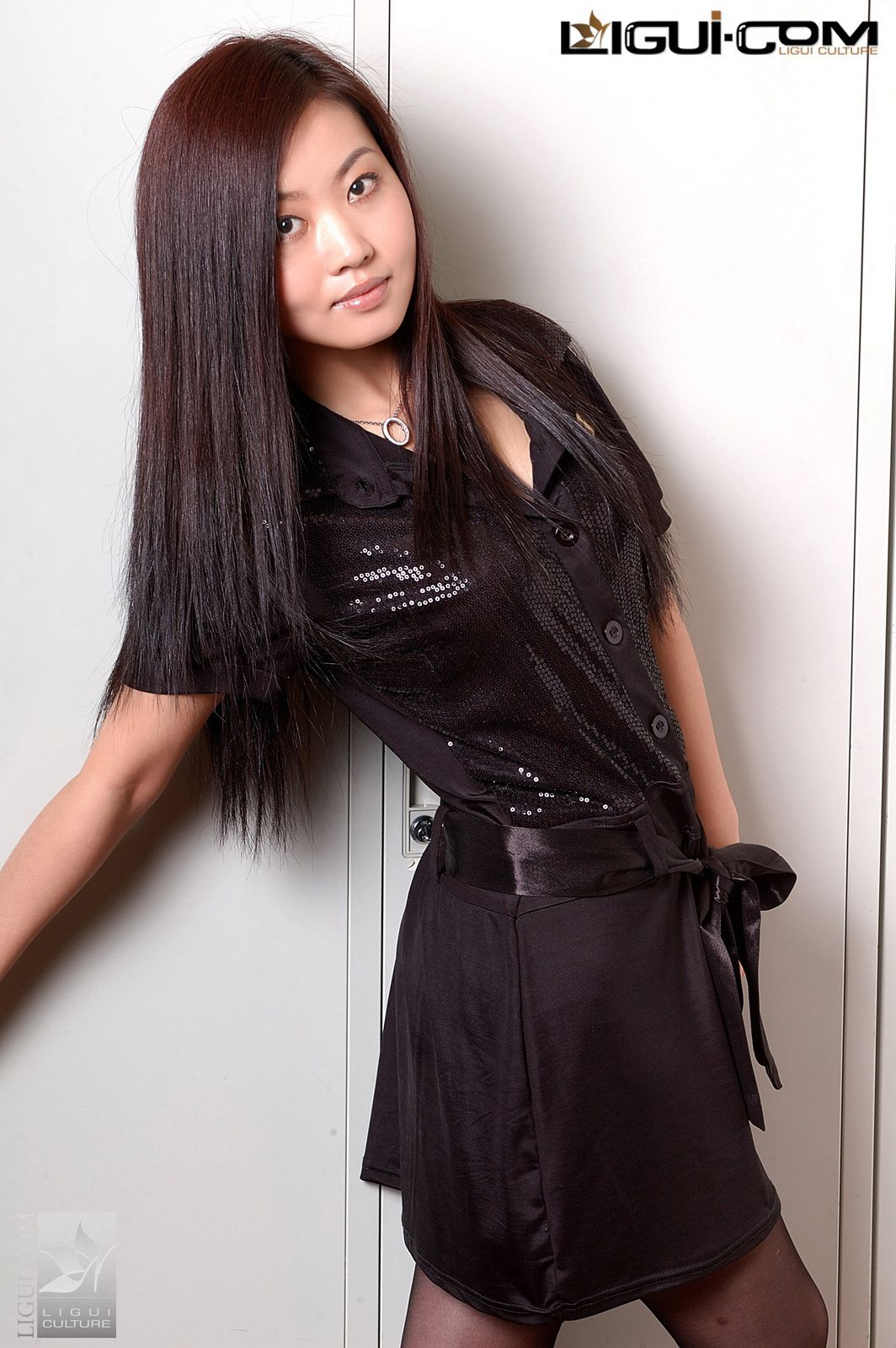 """Model Xiaolulu """"Carrying the Black Silk to the End"""" [丽柜LiGui] Silk feet photo pictures 34"""