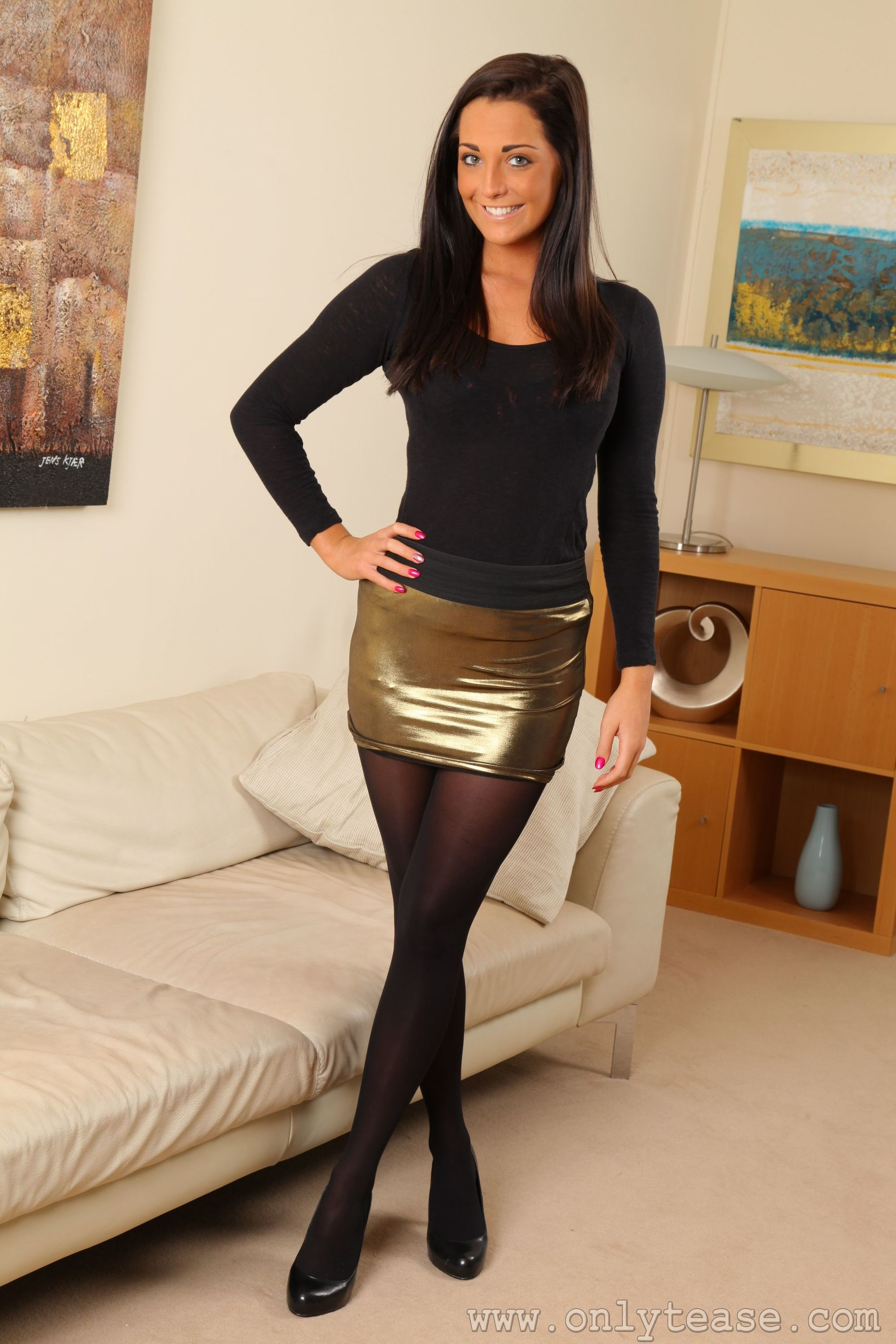 """[Only Tease]  Daisy Watts """"The Need for Black Silk Legs"""" Photo Album"""